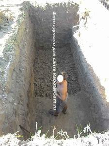 Копание ямы для септика на 16 кубов