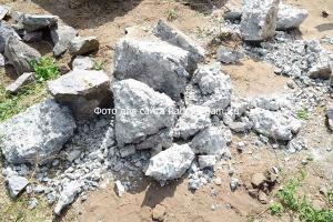 Фундаментные блоки можно использовать для забора как бут