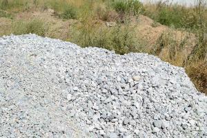 Крупный шлак и щебень можно использовать для бетона ленточного фундамента в земле