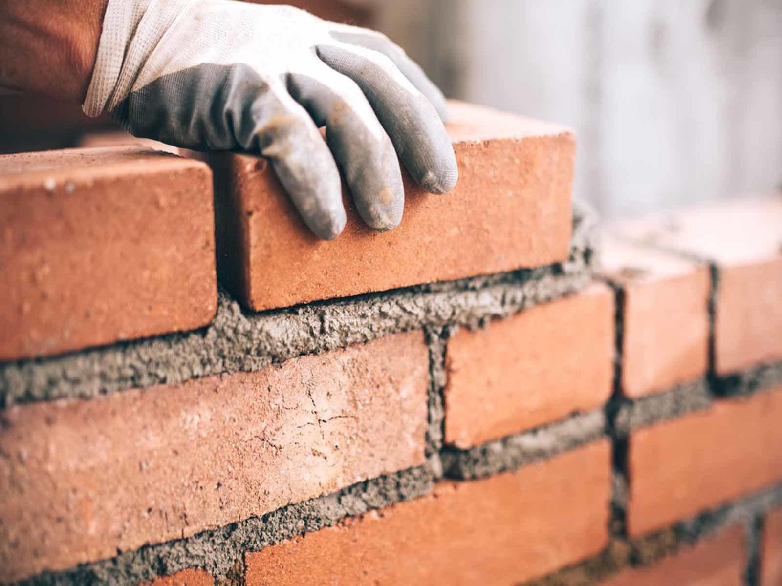 Возводим стены нашей красивой беседки из кирпича своими руками