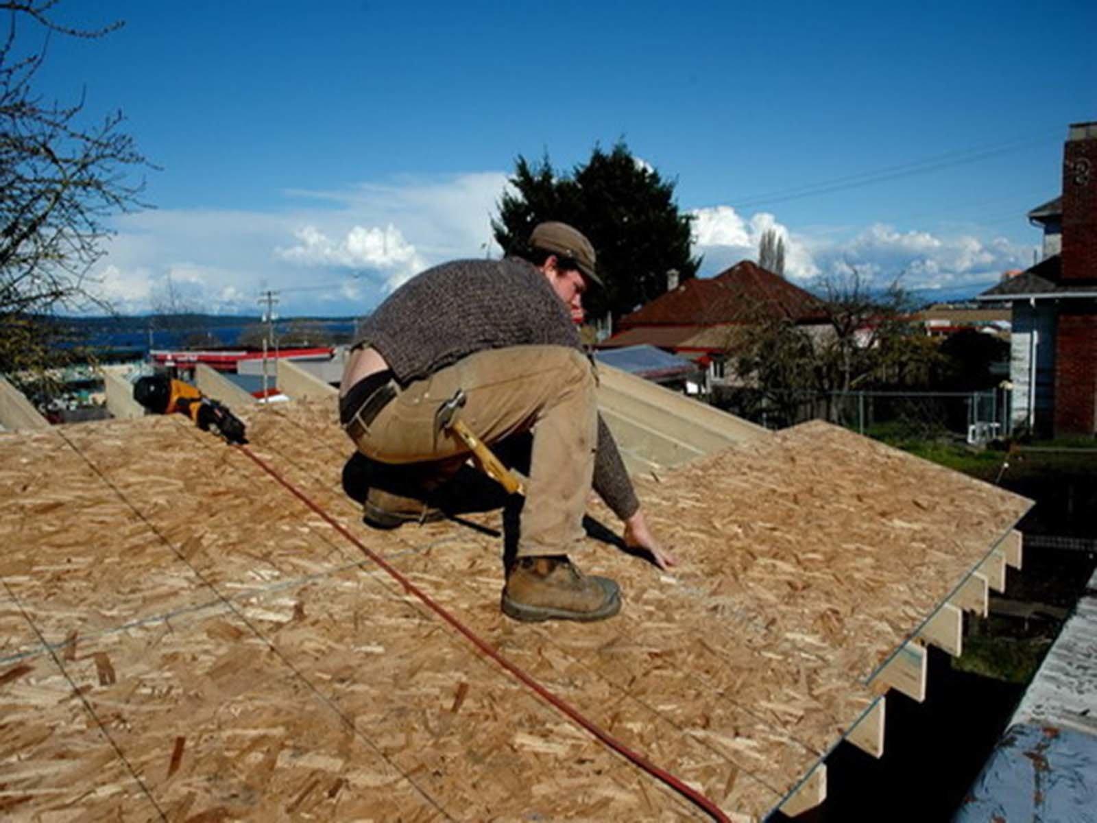 Изготавливаем простую обрешетку крыши ОСБ плитами