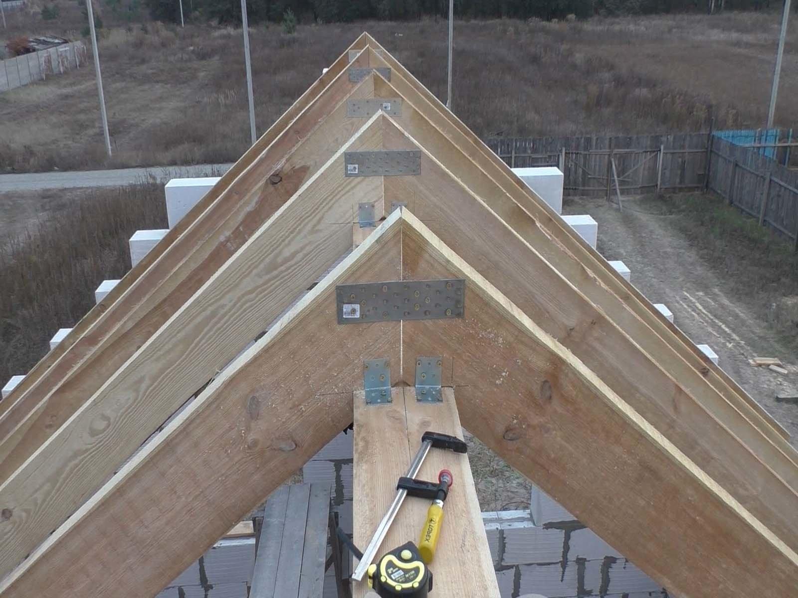Изготавливаем надежную стропильную систему для крыши кирпичной беседки