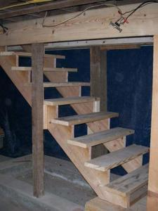 Строим добротные деревянные ступеньки в погреб