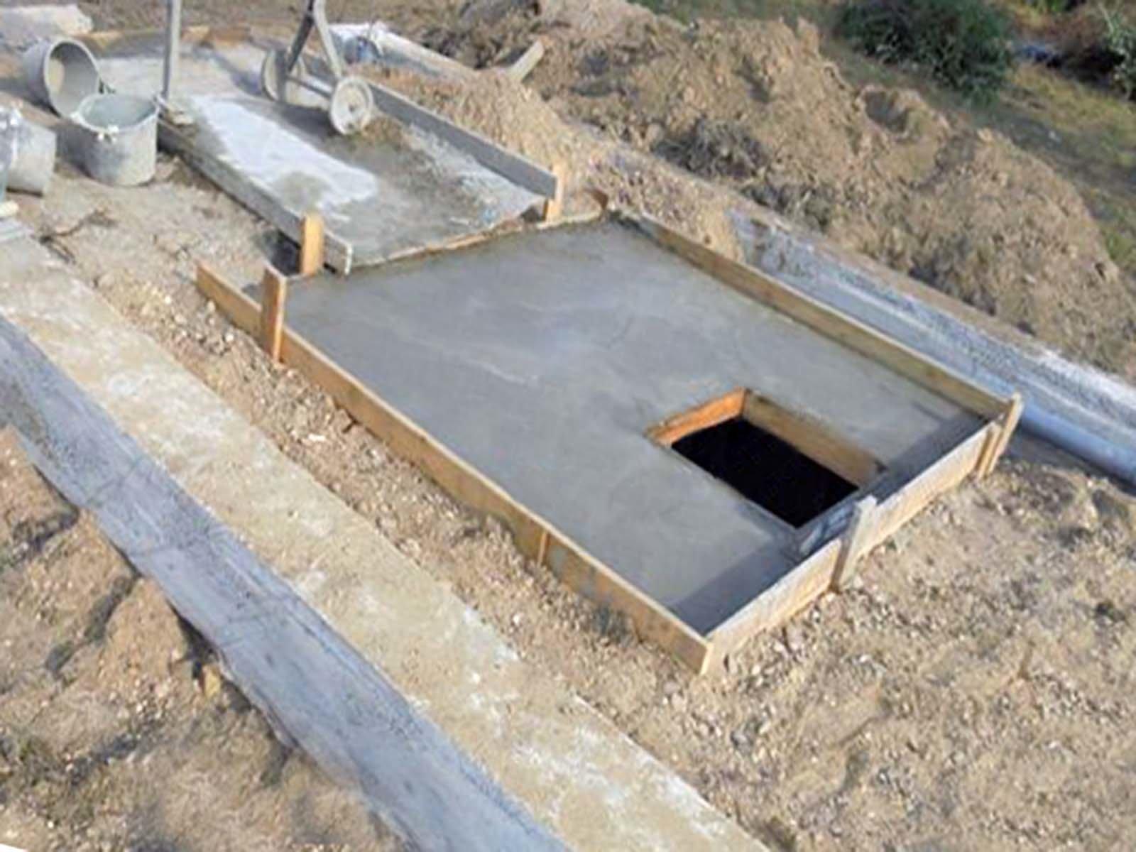 Крыша самодельного дачного погреба