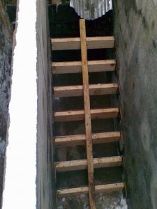 Лестница в самодельный дачный подвал