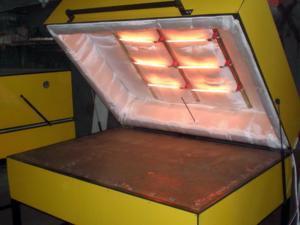 Производство гибкого камня на заводе.
