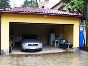 Делаем не загроможденный въезд в гараж.