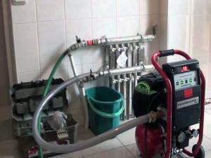 Опрессовка труб водяного теплого пола