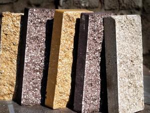 Разнообразие цветов и форм гиперпрессованного кирпича.