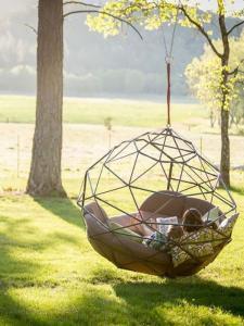 Стильный и большой подвесной гамак - новая разработка японских дизайнеров