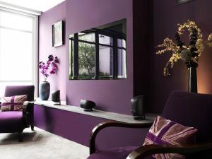 Фиолетовый цвет в интерьере 2019 года