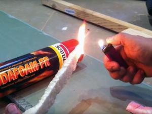 Бытовая монтажная пена поддерживает горение