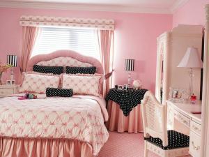Оформляем спальню в розовых оттенках