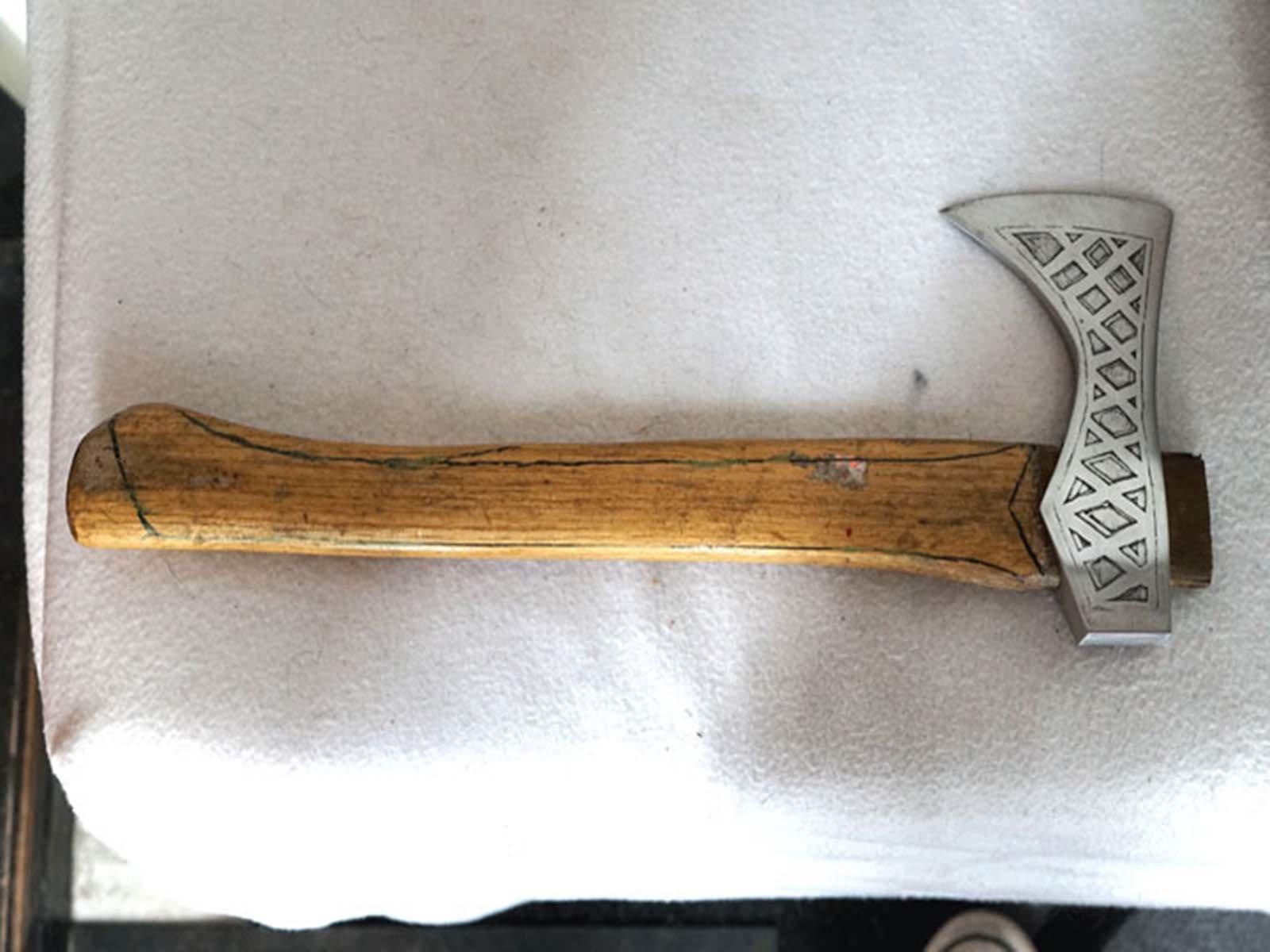 Так выглядит обычная рукоять обычного топора викинга