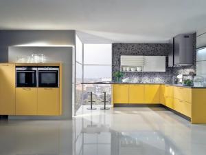 Установка жидкого линолеума на кухне