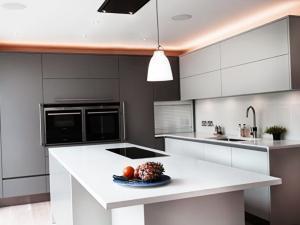 Кухня в стиле минимализм - дизайнерская идея на 2020 год