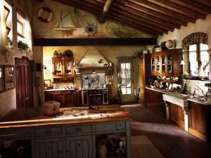 Декорируем кухню в рустик-стиле
