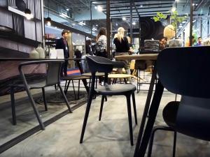 Плавные формы и изгибы мебели экологического стиля 2020