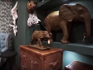 Дики животные - интересный элемент декора этностиля 2020