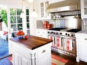 Добавляем на кухню маленький матовый кухонный остров