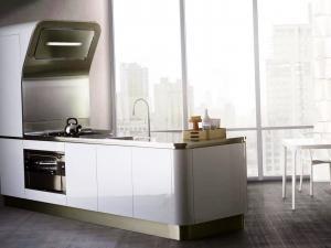 Кухня с умными гаджетами и современными технологиями