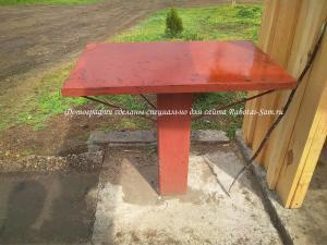 Металлический стол для деревянной беседки под шашлык