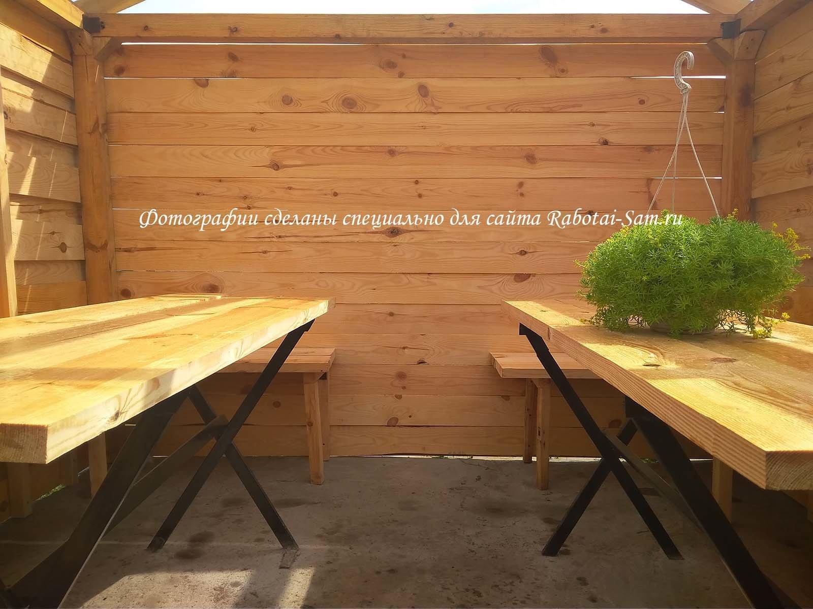 Столы для дачной деревянной беседки