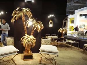 Элемент декора этностиля - золотая пальма 2020