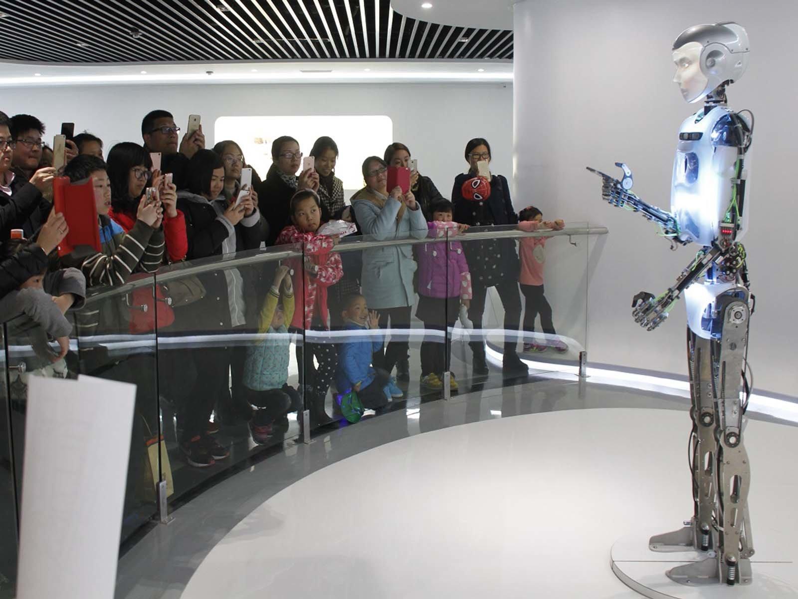 Музей роботов построенный самими роботами в Сеуле