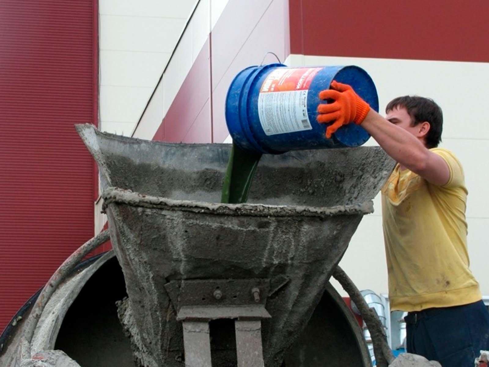 Добавление пигментирующих добавок в бетон