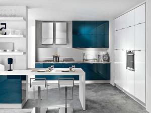 Современный дизайн кухни в стиле хай-тэк 2021