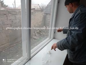 Снимаем старую створку деревянного окна