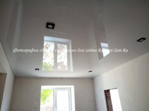 Натяжной потолок в зале частного дома своими руками