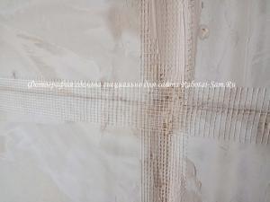 Армирование стыков гипсокартона в зале
