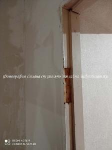 Очистка проёма дверной коробки под установку двери