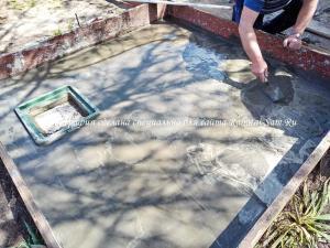 Делаем бетонную стяжку сливной ямы своими руками