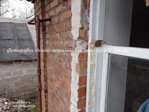 Снимаем створку старого деревянного окна